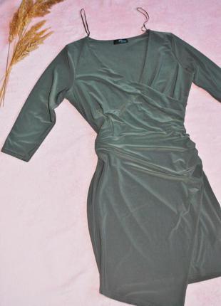 Платье на запах с асимметрией