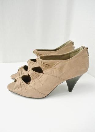 Стильные брендовые замшевые туфли, ботильоны new look с вырезами. размер uk6/eur39