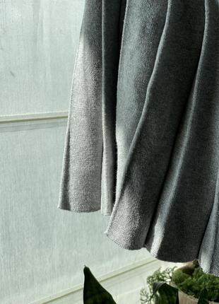 Плиссированная плотная юбка