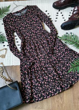 Квіткова чорна сукня в рубчик chicoree цветочное короткое платье в цветы