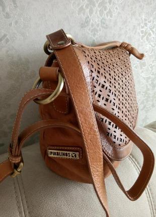Красивая кожаная сумочка pikolinos