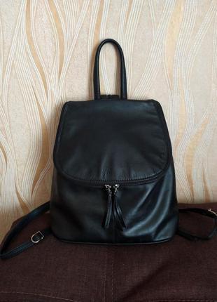 Черный кожаный рюкзак jobis