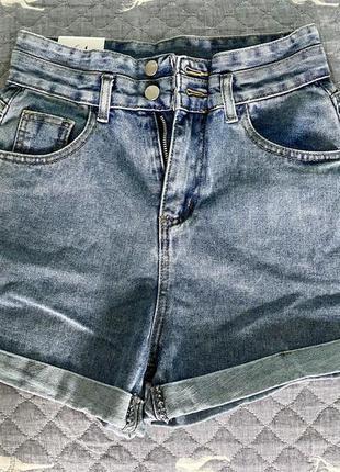 Стильные джинсовые женские шорты с завышенной талией