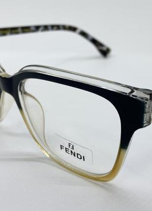 Женские очки для имиджа и работы за компьютером