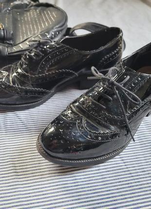 Туфли оксфорды броги кожзам лак