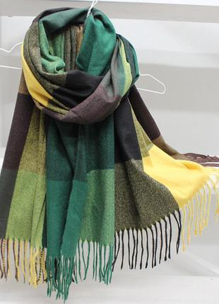 Красивый тёплый женский шарф палантин