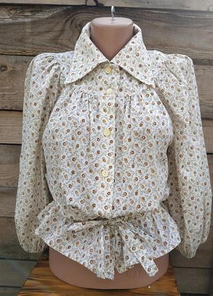Винтажная блузка, с объемными рукавами.