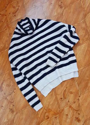 Крутой свитер sweewe. фото на теле.