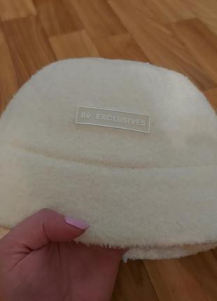 Стильная шапка панама 56-58 белая мерлушка