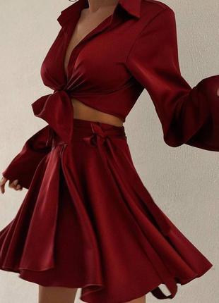 Бордовый шелковый костюм