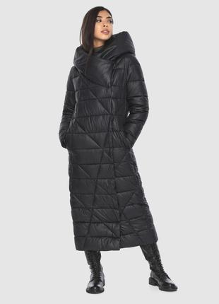 Чёрная модная куртка женская