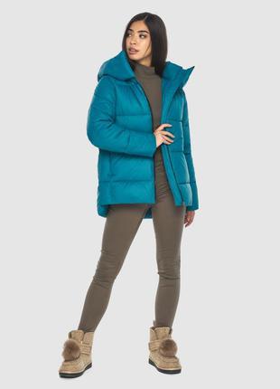 Трендовая аквамариновая куртка