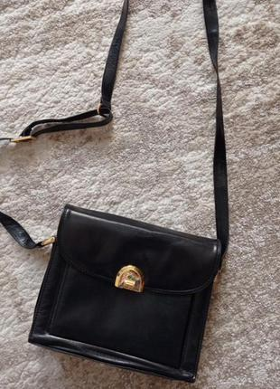 Стильная  кожаная сумочка на плечо, итальянского  бренда savera