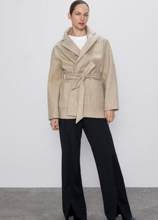 Новое женское пальто в пиджачном стиле зара, оригинал, размер l оверсайз, в бежевом и чёрном цвете