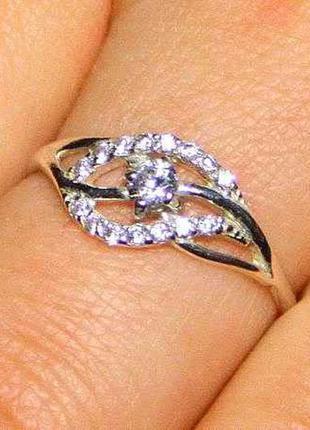 Серебряное кольцо 925 пробы. 16 р. новое с биркой.