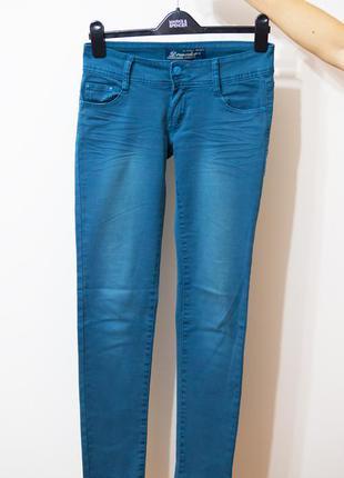 Стильні джинси.