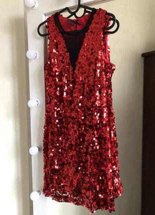 Красное платье в пайетки guess