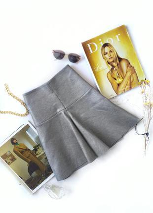 Серебристая серая юбка солнце мини воланом неопрен cos