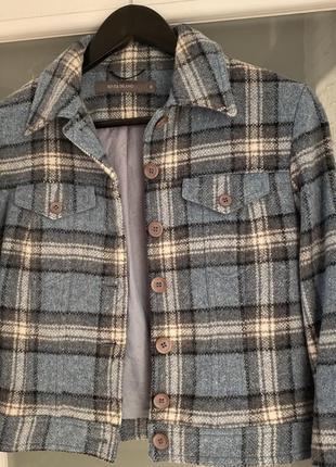 Укорочений пиджак жакет пальто