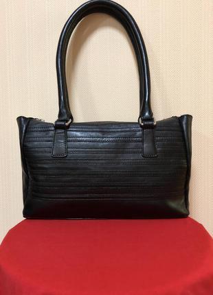 Кожаная женская сумка на плечо, в/на руку marks & spencer.