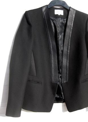 Чёрный пиджак sandro paris из плотной ткани с кожей