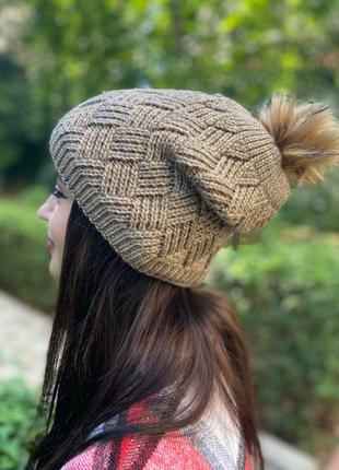 Стильная шапка с бубоном, t033