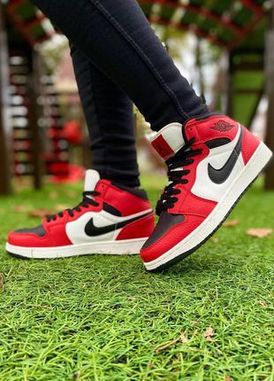 Женские кроссовки nike air jordan high black/red, высокие джорданы черные с красным