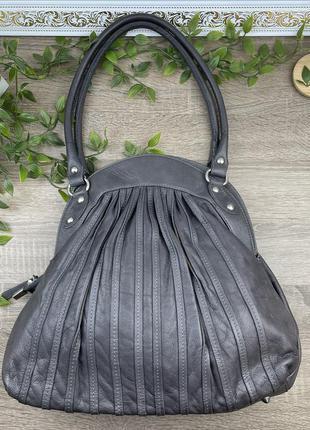 Европа🇪🇺 италия. кожа. классная фирменная качественная сумка на 3 отделения