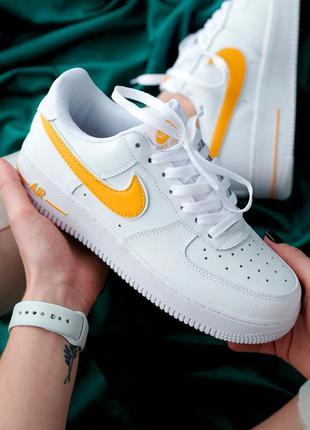 Кроссовки женские nike air force 1 белые желтые / кросівки жіночі найк аир форс білі жовті кроссы