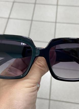 Женские солнцезащитные очки прямоугольные линзы с градиентом