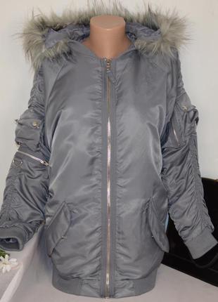 Брендовая утепленная куртка с меховым капюшоном boohoo синтепон этикетка