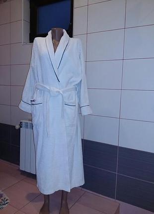 Шикарный   банный махровый  хлопковый халат. италия. .