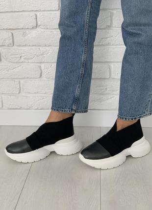Стильные,кожаные  кроссовки