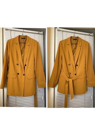 Пиджак двубортный с поясом