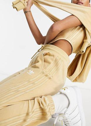 Новенький велюровый костюм от adidas originals, оригинал💔