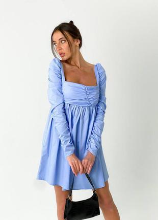 Котоновое платье с драпировкой и квадратным вырезом