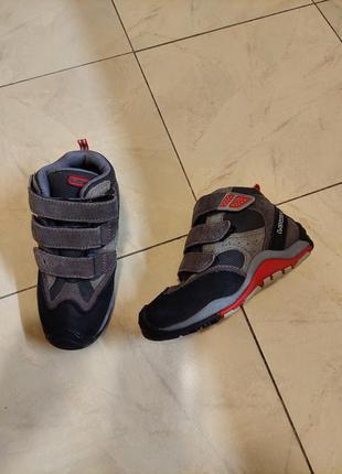Фирменные деми ботинки
