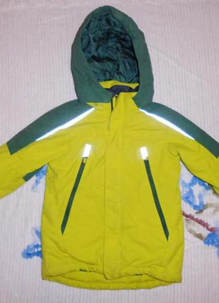 Классная , яркая термо куртка h&m на мальчика