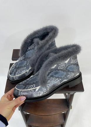 Эксклюзивные ботинки из натуральной итальянской кожи рептилия с норкой