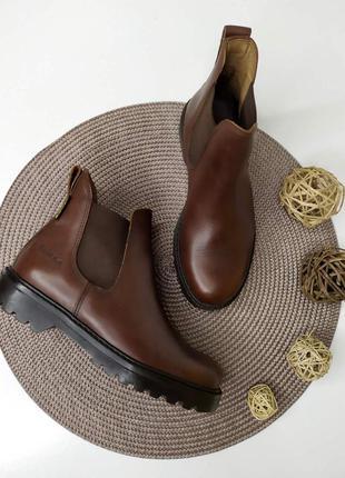 Кожаные ботинки от tuffa