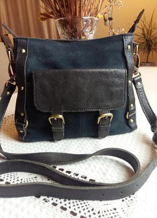 Шыкарная кожаная синяя сумка кроссбоди с коричневыми вставками фирмы clarks