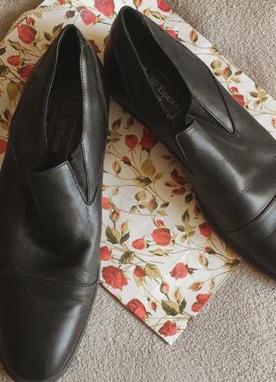 Отличный мужские туфли натуральная кожа 44-45 размер