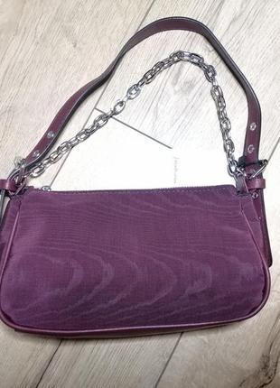 Маленькая сумочка с цепочкой