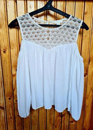 Красивая блузка с открытыми плечами из натуральной ткани вискоза h&m