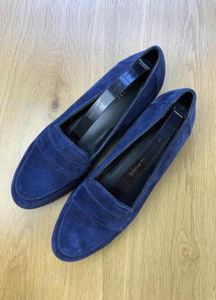 Красивые замшевые туфли minelli