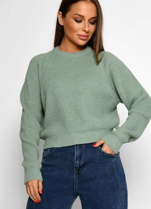 Укороченный женский свитер