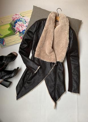 Куртка js millenium осенняя коричневая шоколадного цвета большой воротник косая