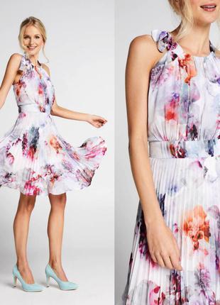 Платье плиссе в цветочный принт steps