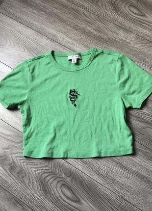 Кроп топ футболка с драконом topshop