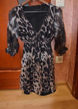 Шелковое платье zara в принт